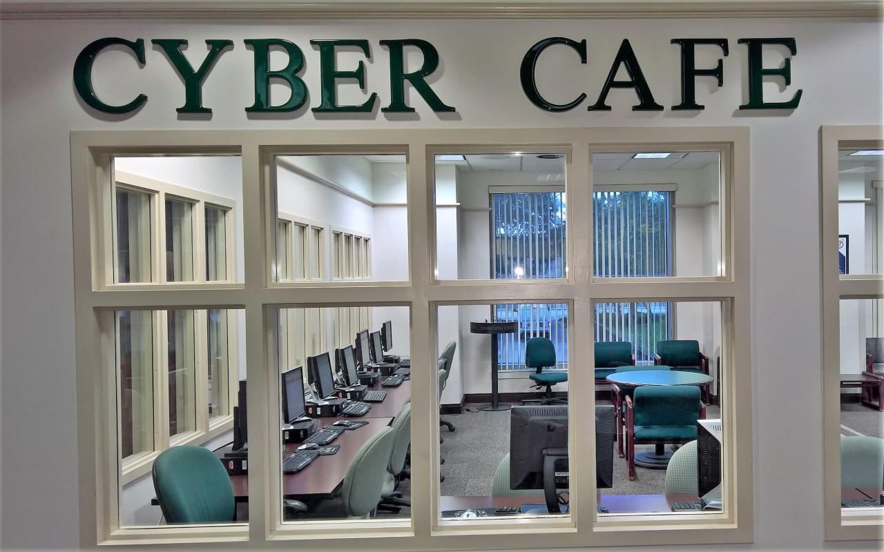 Cyber Cafe'